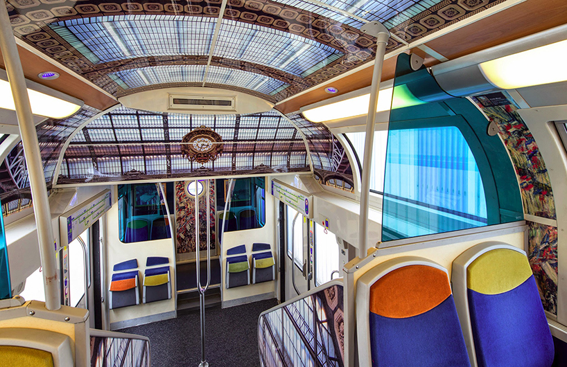impressionist-art-public-trains-france-designboom-03